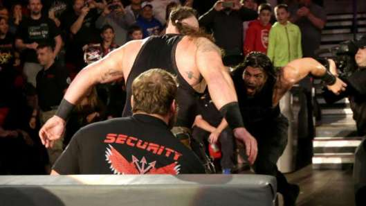 WWE, Roman Reigns Speared SECURITY GUARD, Wrestling
